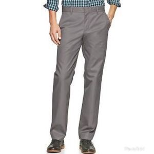 GAP Men's Khakis Relaxed Fit